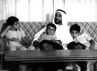 60 tahunBin Zayid